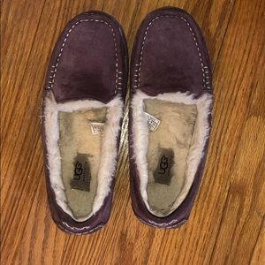 UGG Slip on shoes. Great Condition!